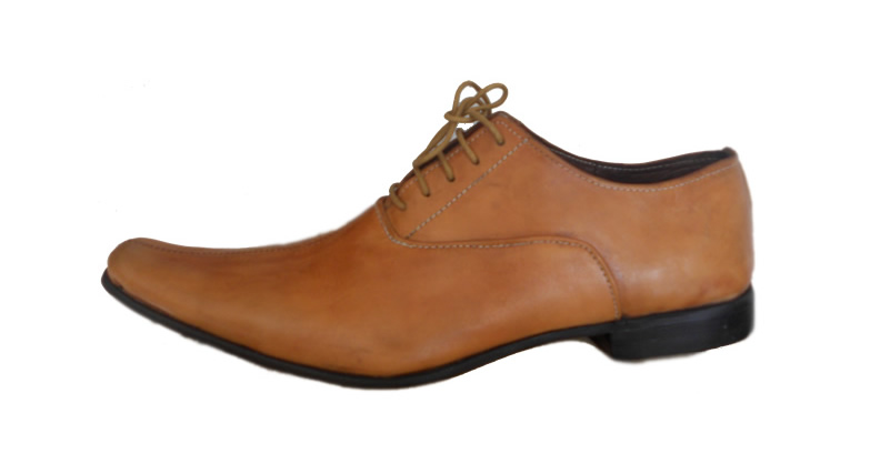"Chaussures en cuir ""Made in Togo"""